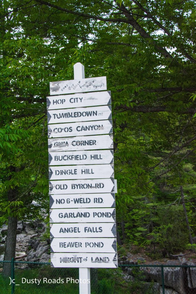 Sign postt with many destinations
